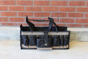 Customized Leathercraft 43-Pocket Tool Provider